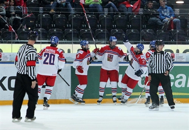 Czechs roll into the playoffs